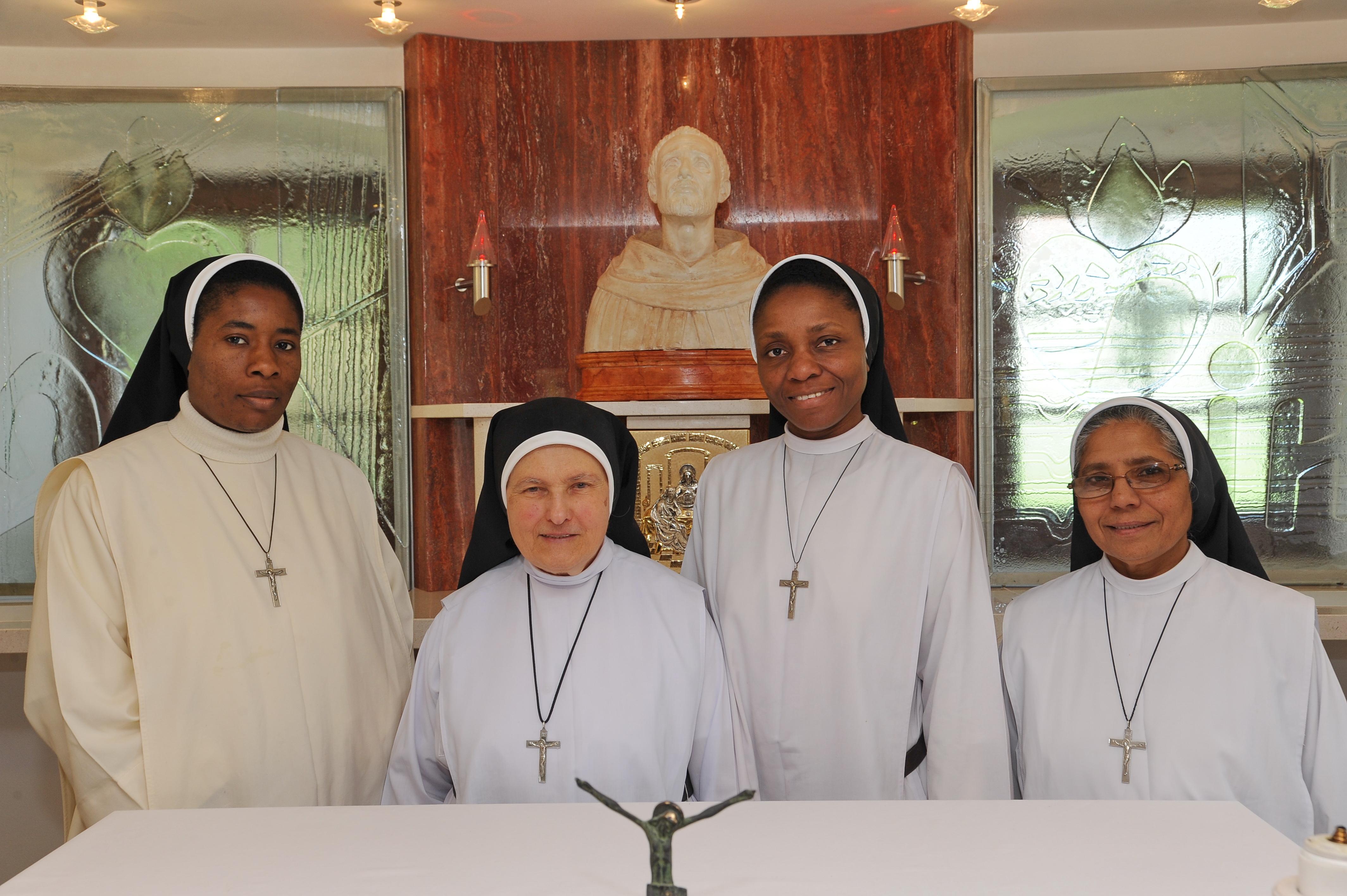 Sestre dominikanke